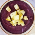Rotkohl Creme mit Äpfel topping