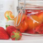 Marinierte Erdbeeren mit Orangenblüte und Orangensaft